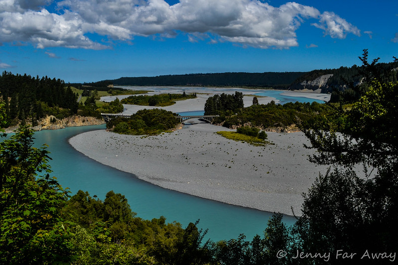 Rakaia river, downstream from the Rakaia Gorge Walkway.