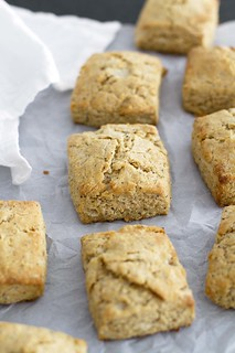 Lemon Poppy Seed Biscuits | girlversusdough.com @girlversusdough | by girlversusdough