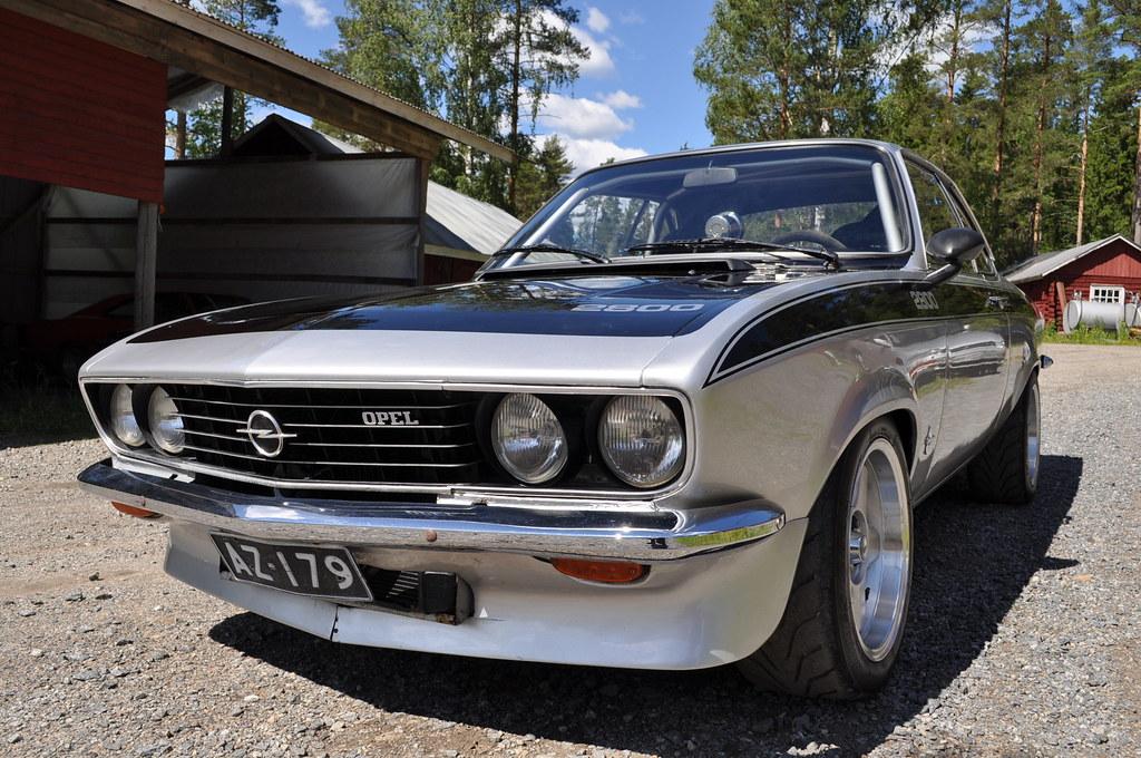 "MikkoV garage:  Charger SRT8 -70,  Manta A 2800S, Camaro RS -70 ""drift"", W212, Pontiac Tempest jne. 18698722004_b95a093fd6_b"