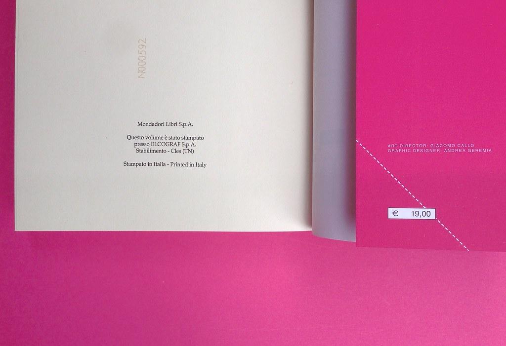 Alberto Milazzo, Uomini e insetti. Mondadori 2015. Art director Giacomo Callo; graphic designer Andrea Geremia. Pagina dello stampatore, a pag. 348, verso della q. di cop., bandella della q. di cop. (part.), 2