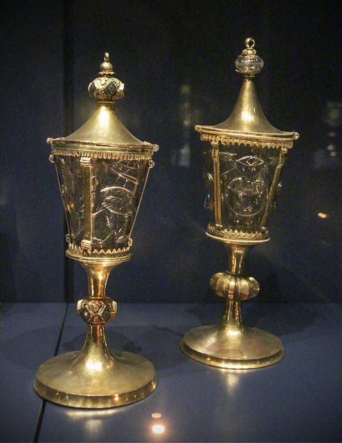 Vase-reliquary - 13th century
