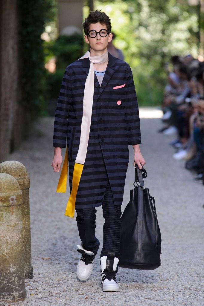 SS16 Milan Andrea Pompilio001(fashionising.com)