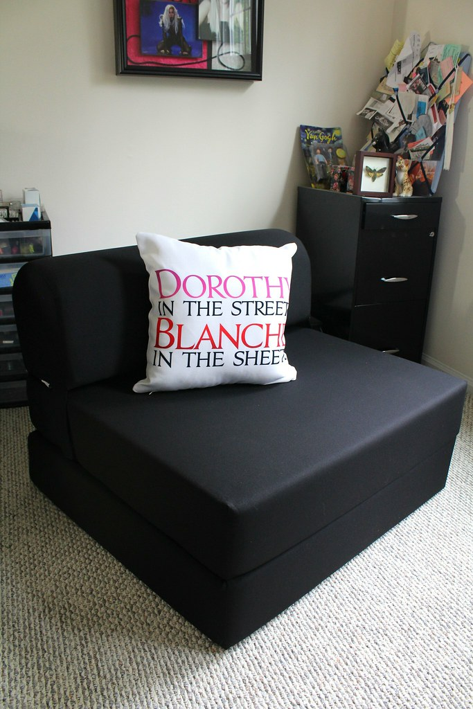 Dorothy in the Streets, Blanche in the Sheets pillow