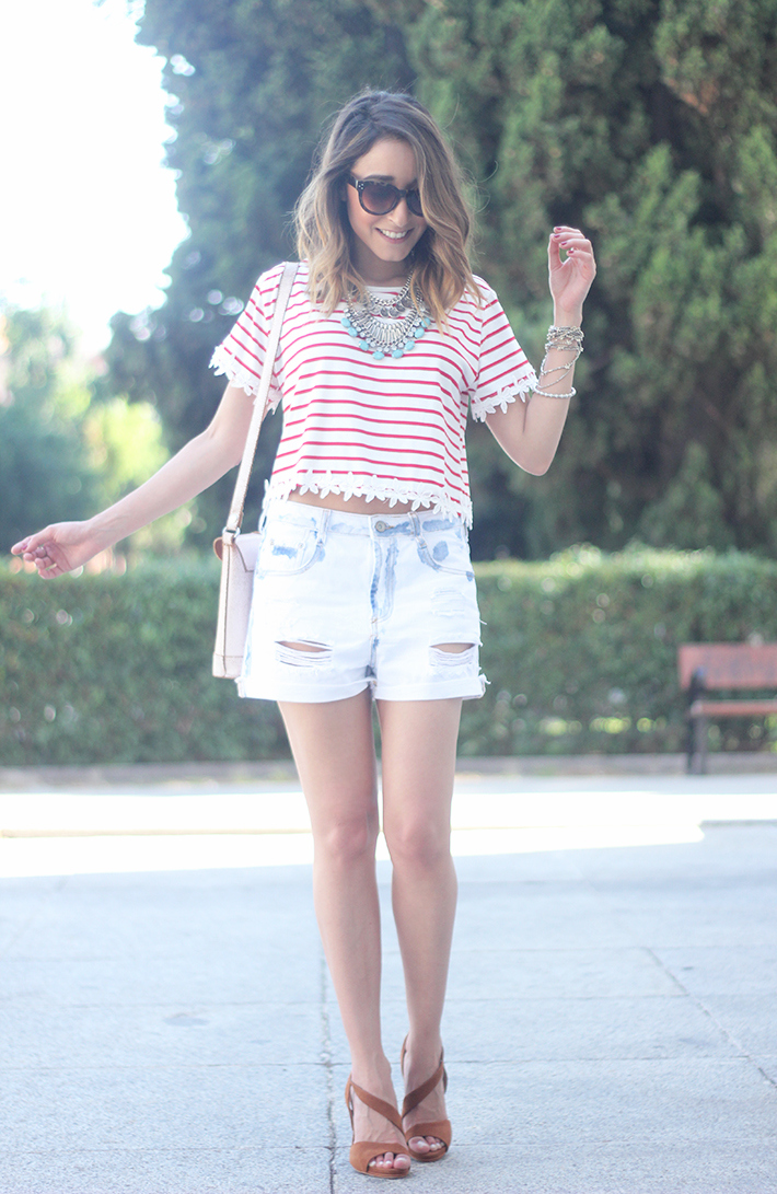 Striped T-Shirt With Denim Shorts10