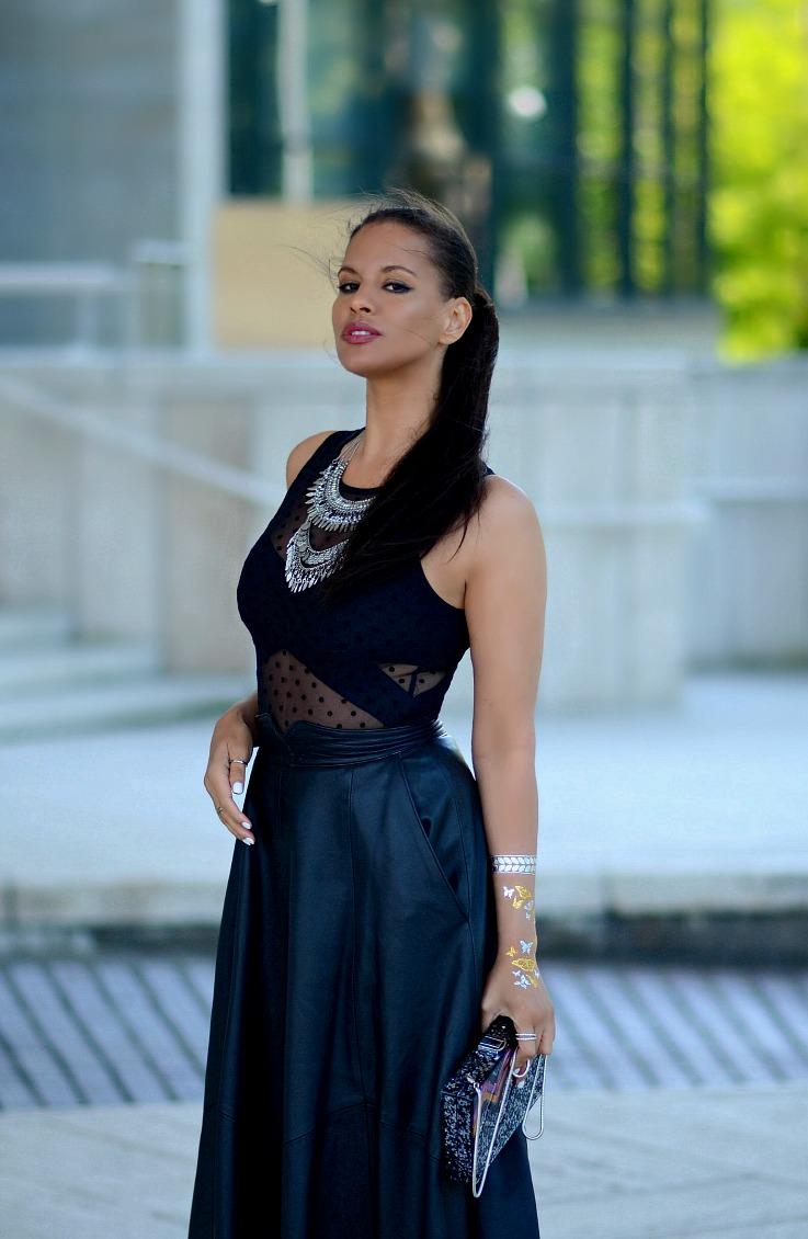 DSC_4980 Tamara Chloé, Black Leather midi skirt, Zara Glitter Box bag, Flash Tatoo, Coin Necklace