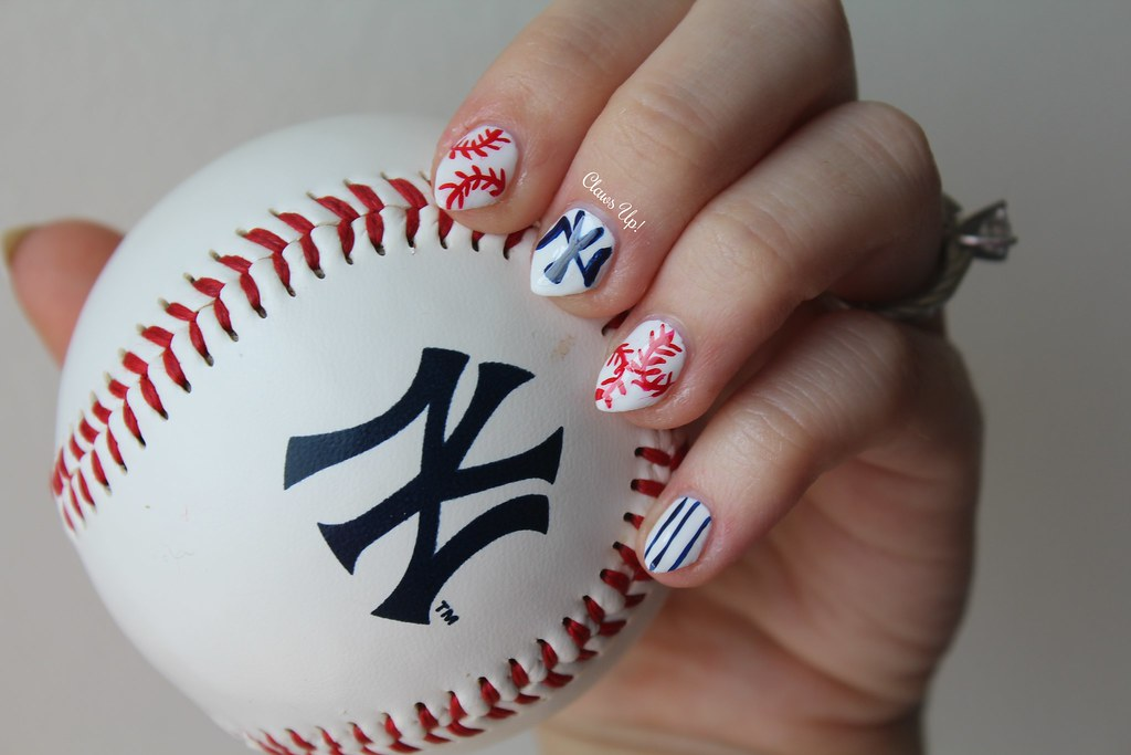 Baseball nail art, New York Yankees.