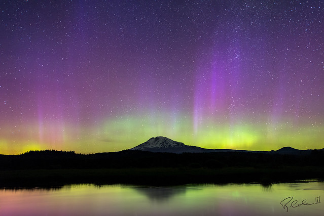 Mt Adams Aurora