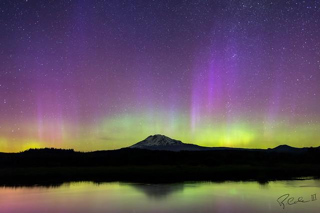 Mt Adams Aurora
