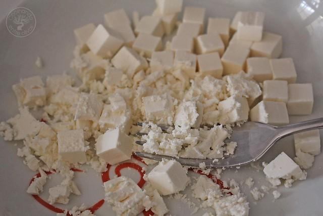 Tostas de queso feta y pimientos asados www.cocinandoentreolivos.com (3)