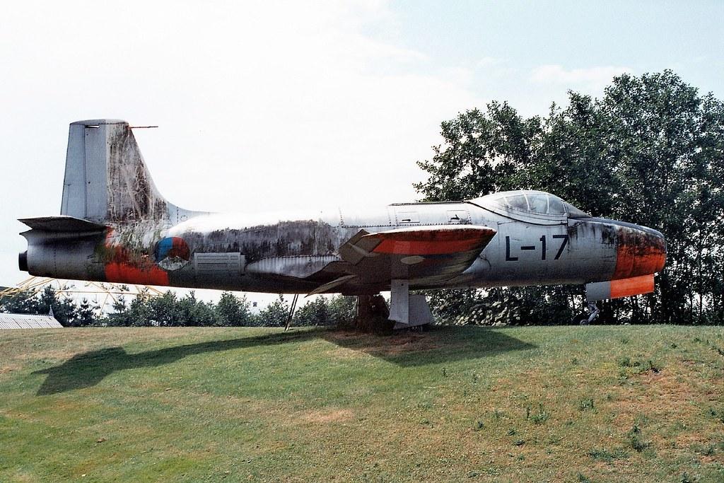 Fokker S-14 Machtrainer L-17 e...