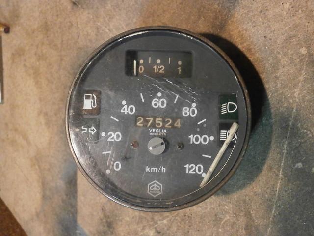 PB270012