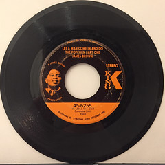 JAMES BROWN:LET A MAN COME IN AND DO THE POPCORN PART ONE(RECORD SIDE-A)