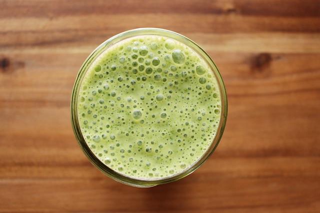 greek yogurt 52 ways # 19: spinach smoothie