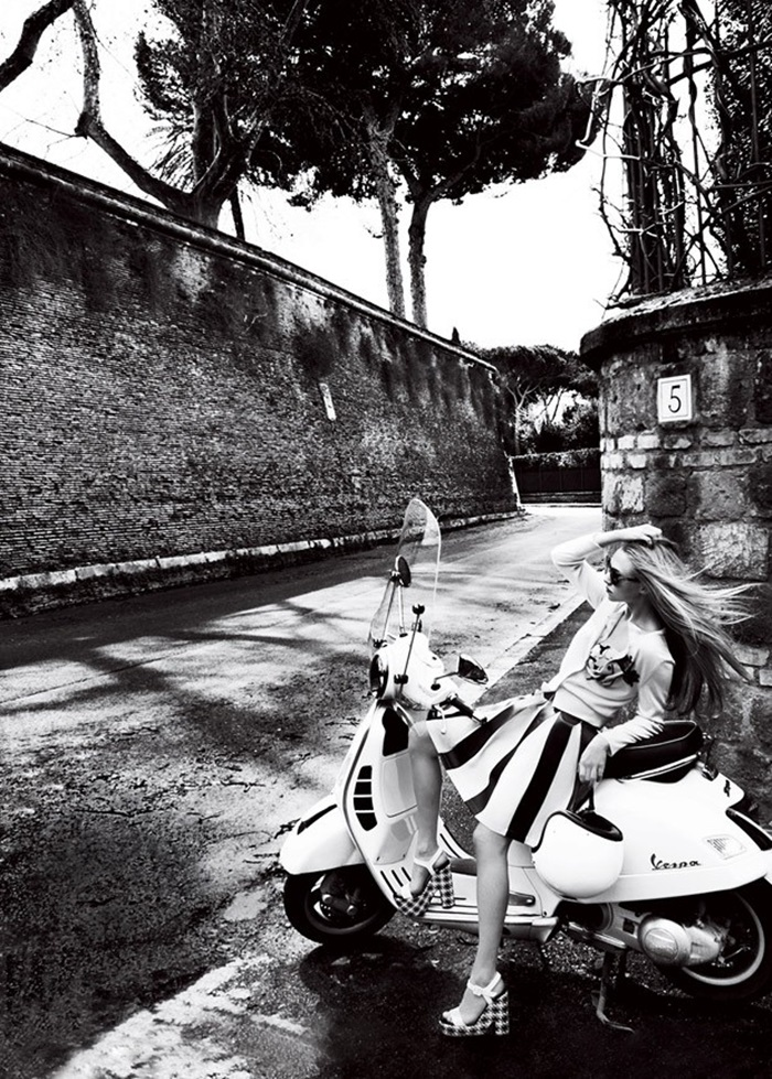Amanda-Seyfried-Vogue-Mario-Testino-08