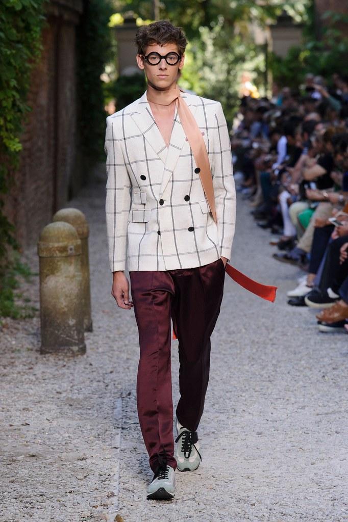 SS16 Milan Andrea Pompilio012(fashionising.com)