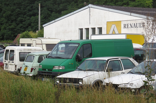 Renault garage assortment no 2 the 4 and golf both look for Renault garage pantin