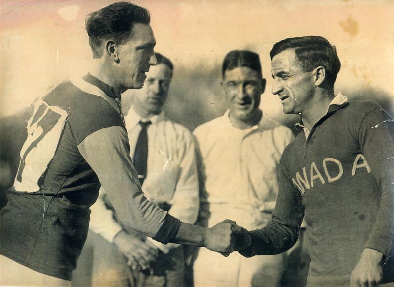 1924_Tour_Bob_Harley_handshake
