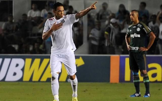 Ricardo Oliveira minimiza p�nalti perdido e destaca evolu��o do Santos na S�rie A
