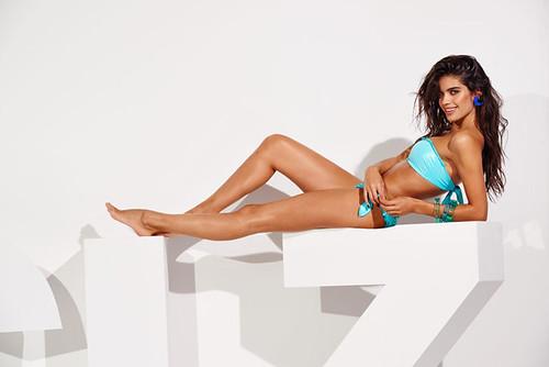 calzedonia-bikinis-primavera-2015