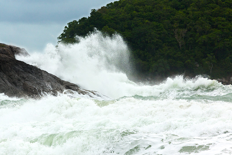 Beware Phuket's monsoon waves. Image: Phuket@photographer.net, CC.