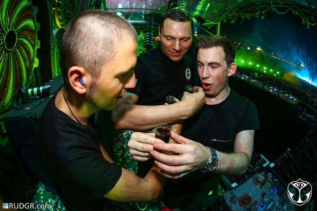 Tiesto Hardwell Dimitri Vegas The 2014 Edition Of Tomorrowland Weekend II