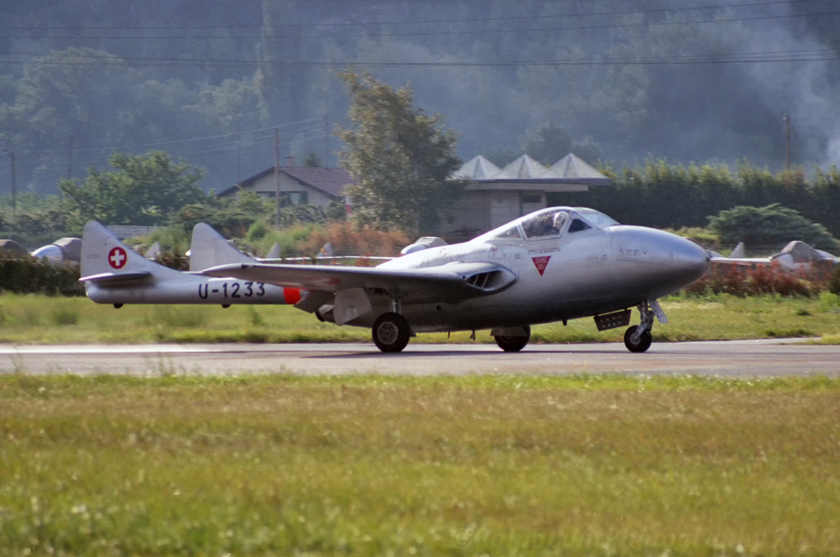 Hunters..Lots Of.Get Comfy - UK Airshow Review Forums