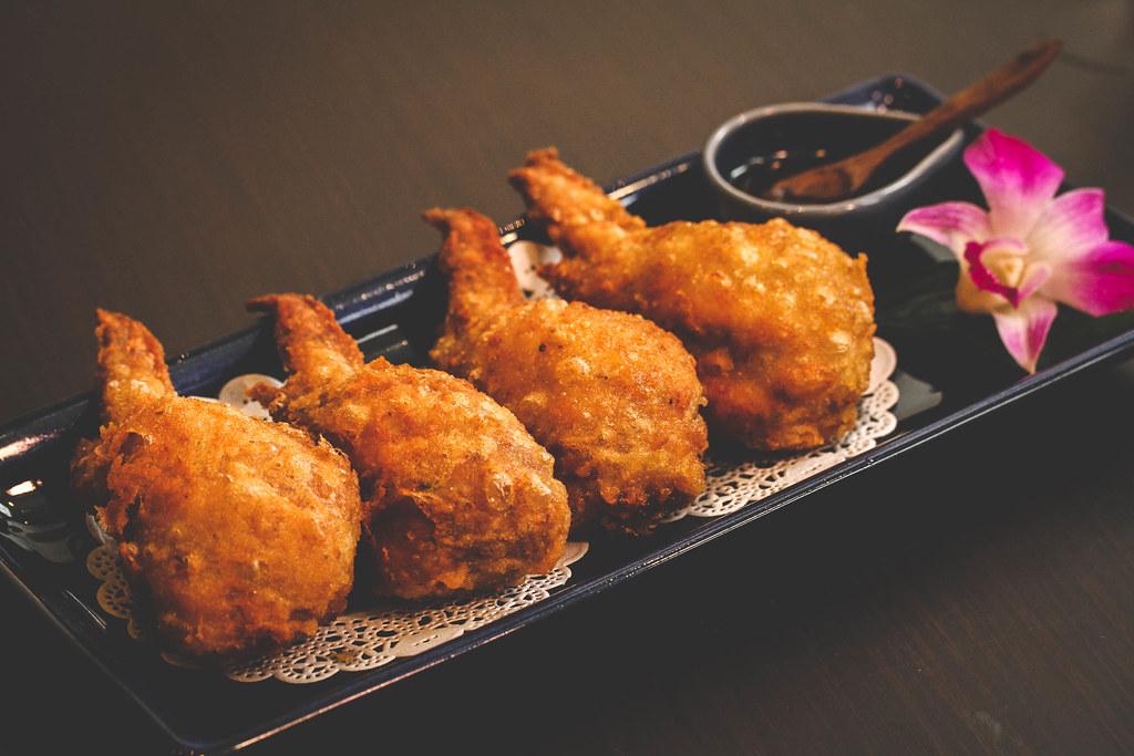 sawadee-thai-stuffed-chicken-wings