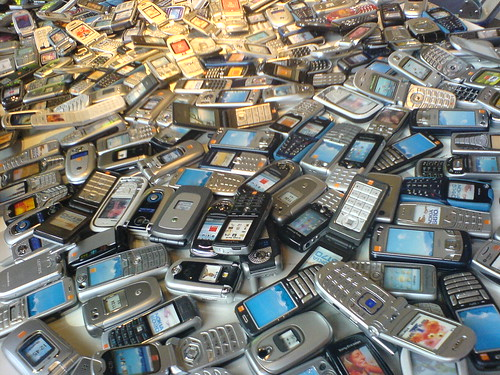 1000 mobiles - if you blog or use this please leave comment/fav | by Gaetan Lee