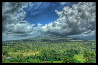The Arenal Volcanic Plume | by Stuck in Customs