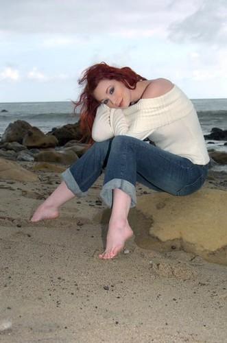 Justine joli feet