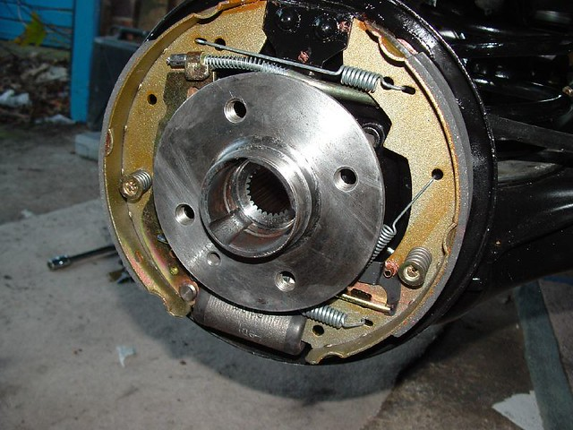 rear wheel hub and brakes my donor came with drum brakes o flickr. Black Bedroom Furniture Sets. Home Design Ideas
