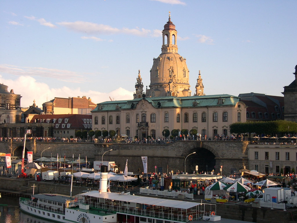 Bruhlsche Terrasse And Frauenkirche Dresden Bruhlsche Terr Flickr