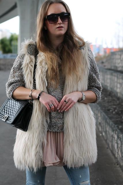 fake-fur-vest-details-wiebkembg