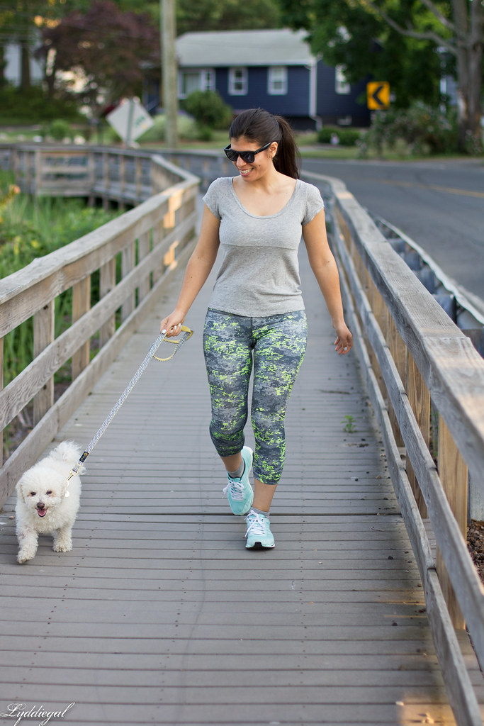 Workout outfit, RBX leggings, grey tee, dog.jpg