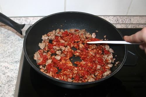 10 - Tomatenmark anrösten / Roast tomato puree