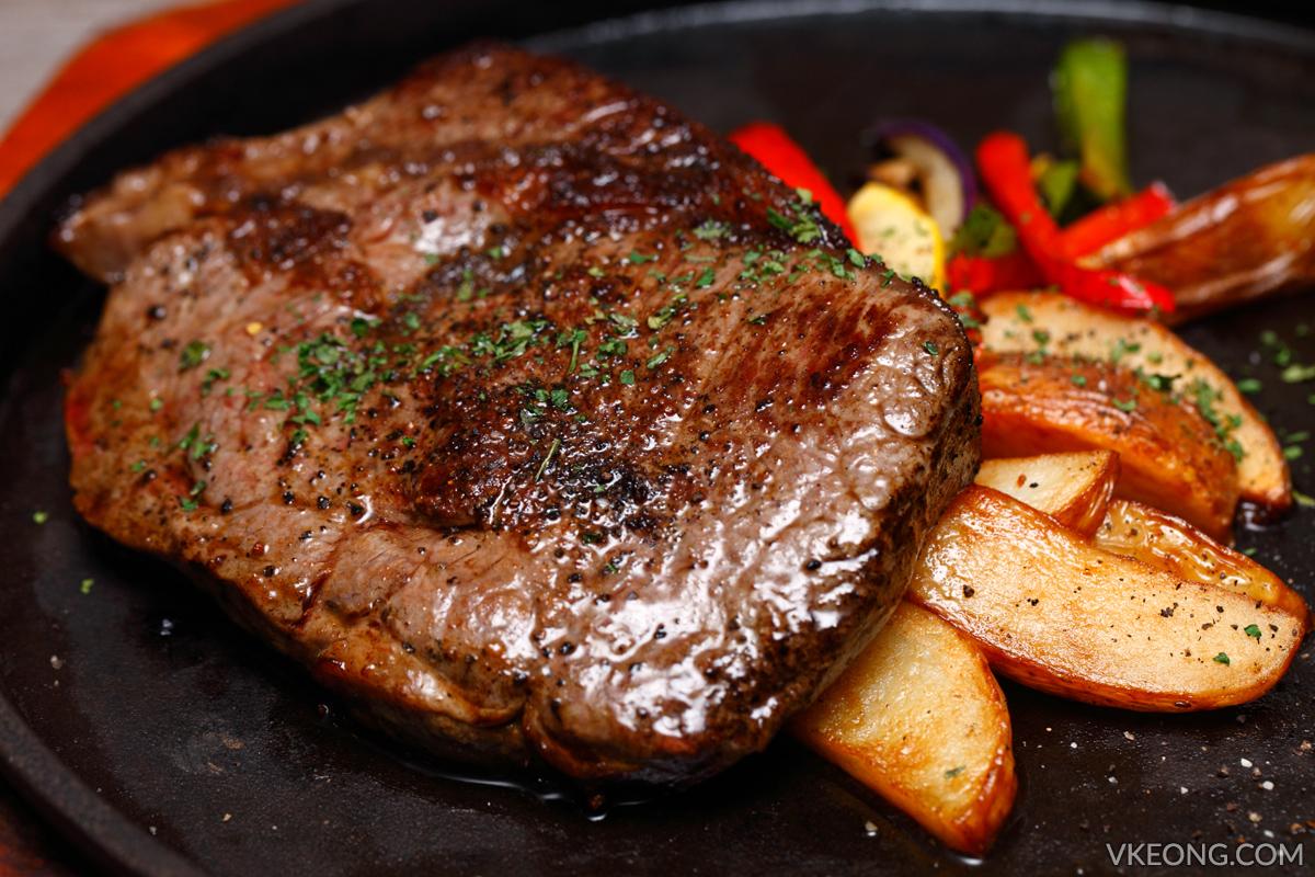 Breeze Bistro Bar Steak