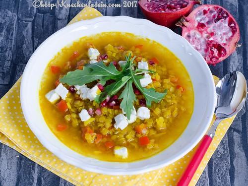Gelbe Linsensuppe mit Feta und Granatapfelkernen (2)