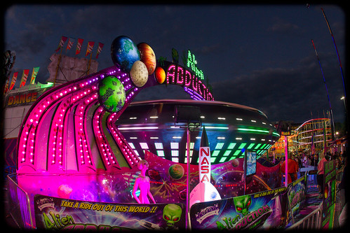 alien abduction ride - photo #47
