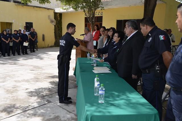 Secretaría de seguridad preside ratificación de grados y nombramientos a policías municipales de Matehuala