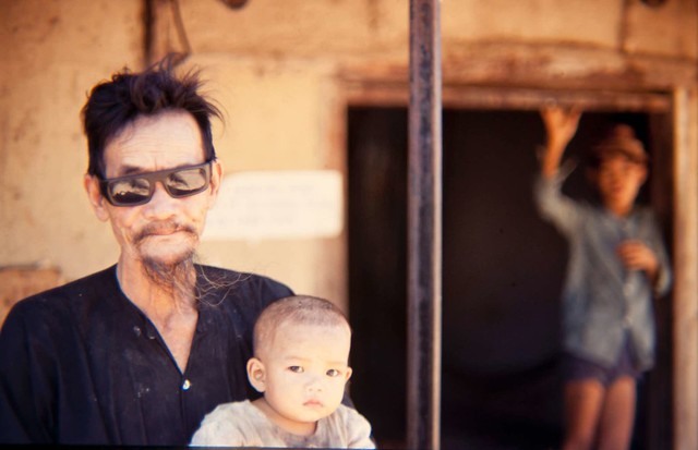manhhai -- QUI NHON 1969 - Photo by Harry Gilliam