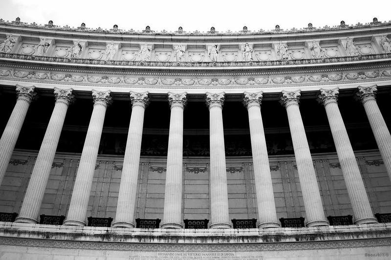 Altare Della Patria Pillars