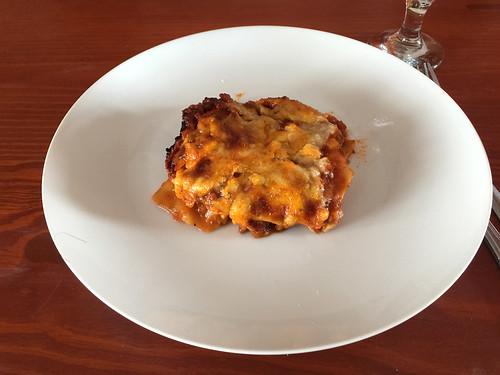 158 - Lasagne serviert / served