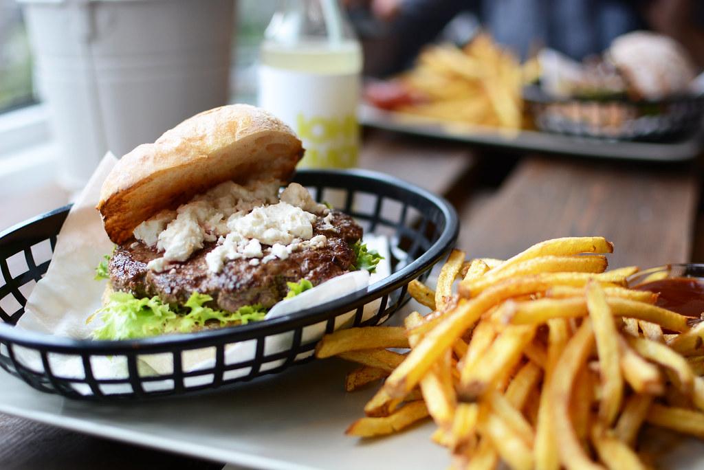 Omnom-Burger-Feta