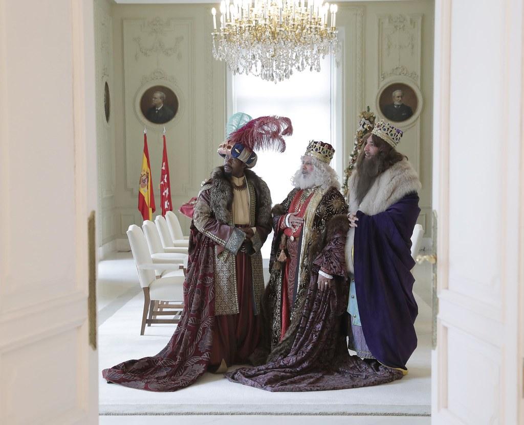 Sus majestades los reyes magos en la real casa de correos for La real casa de correos