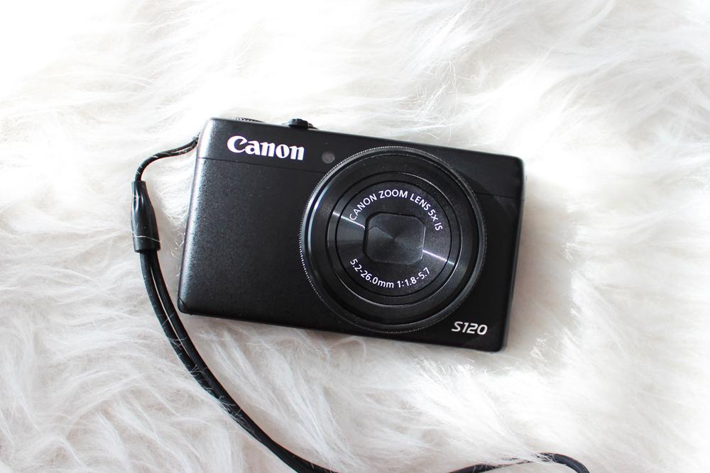 8_beach_bag_essentials_camera