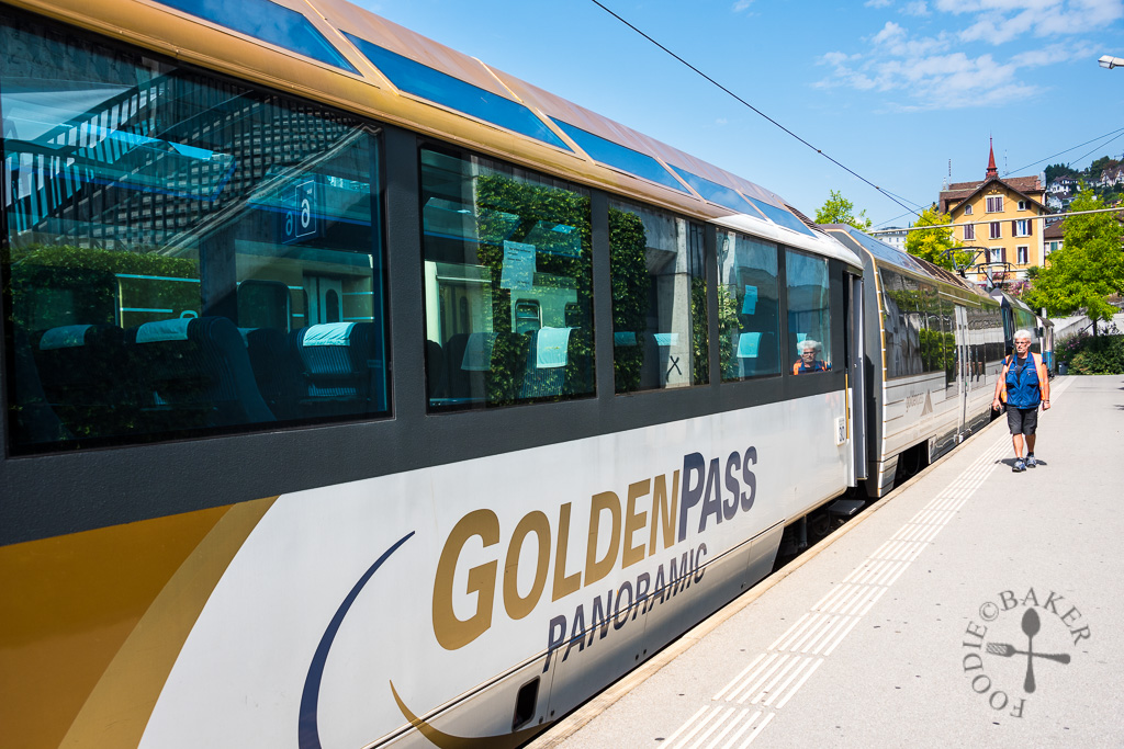 GoldenPass Panoramic Train