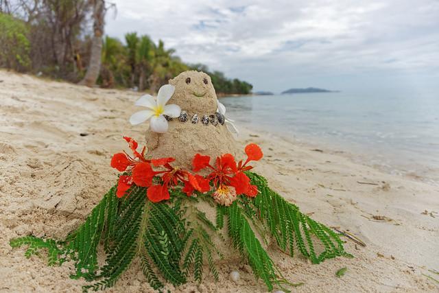 Świąteczny bałwan z piasku