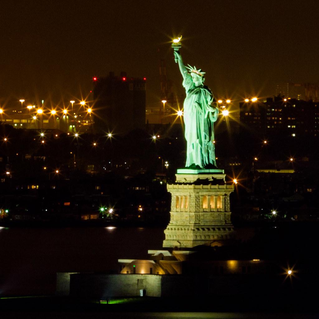 statue of liberty night - photo #3