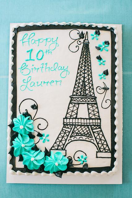 Eiffel Tower cake.