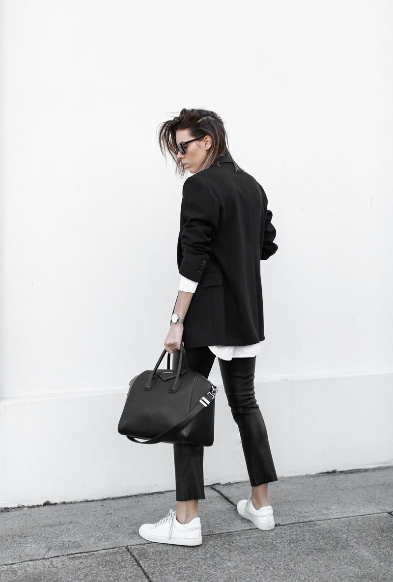 modern legacy, fashion blog, street style, white shirt, leather pants, monochrome, black and white, Givenchy Antigona medium, sneakers, boyish, tumblr (1 of 1)
